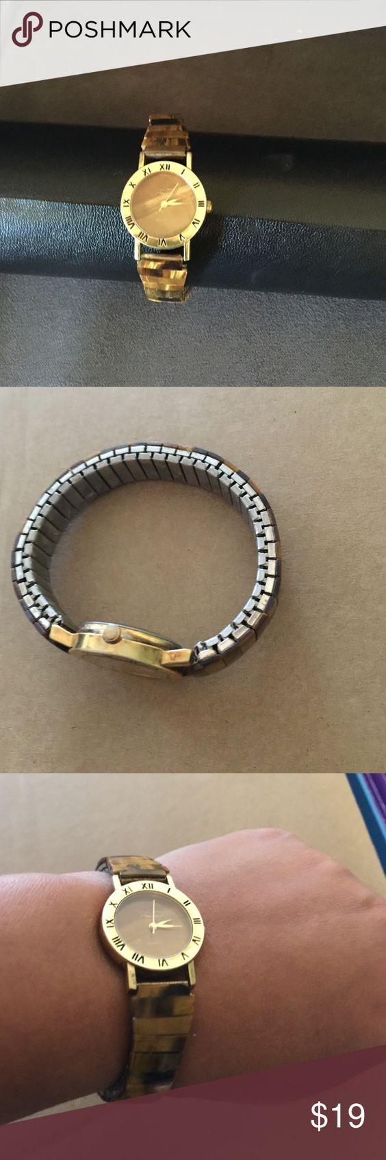 Vintage elastic watch In vintage condition no damage 🎉no trade no LOWBALLS Semi precirus Jewelry