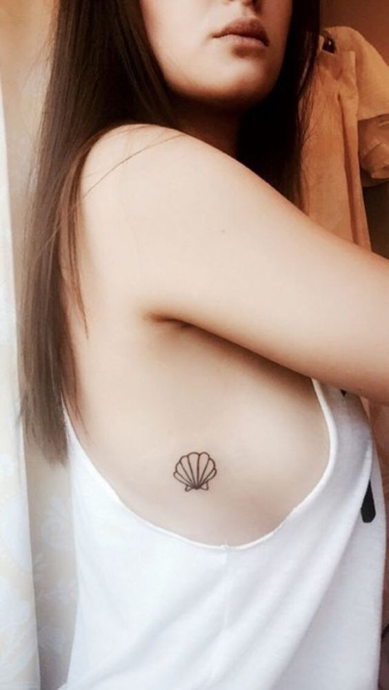 mini tatuagem concha