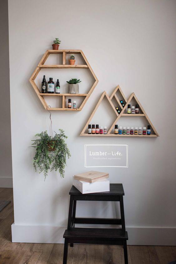 32 Exquisitos Adornos De Pared De Madera Para Actualizar Su Hogar Pagina 7 De 32 Blog De Vivelavi Geometric Shelves Handmade Home Wall Decor Storage