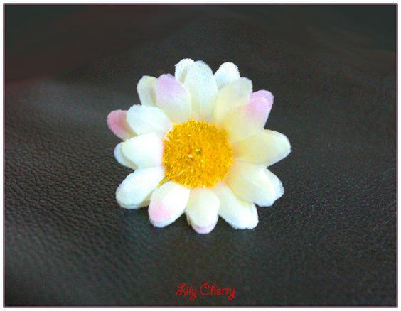 """fleur artificielle petite marguerite jaune clair """"écru"""" taches"""