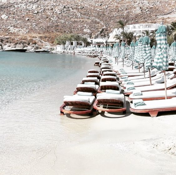 "More-Mode on Instagram: ""Nammos... psarou beach #psaroubeach #mykonos #mikonos #Greekisland #cicladi #beautifulisland #mikonosisland #greek #grecia #estate2019…"""
