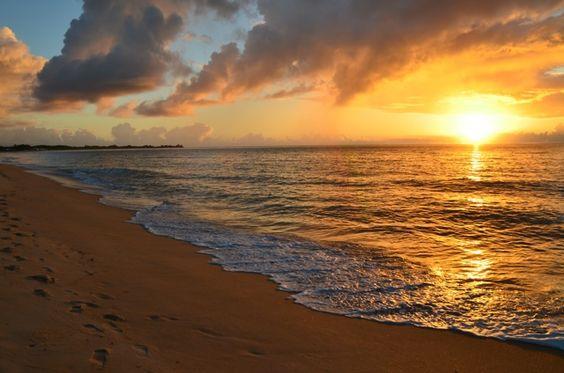 Nascer do sol - Praia de Taperapuã