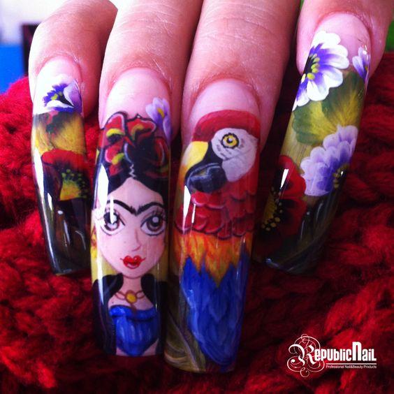 Diseño realizado por Susy Gutiérrez.   Materiales Utilizados: Pinturas acrílicas: rojo, negro, blanco, verde esmeralda, amarillo canario y azul ultra mar. #nail #nails #nailart #nailtech #naildesign #FridaKahlo