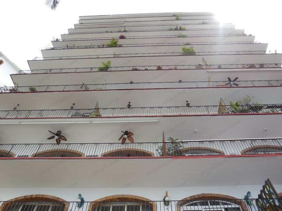 Playas Gemelas Framboyan NJ1 #PuertoVallarta #RealEstate #Condominium A very unique 2BR/2BA opportunity in Playas Gemelas. This rarely available garden unit will captivate you the minute you walk through the door. Soaring vaulted ceilings highlight the bi-level floor pl...