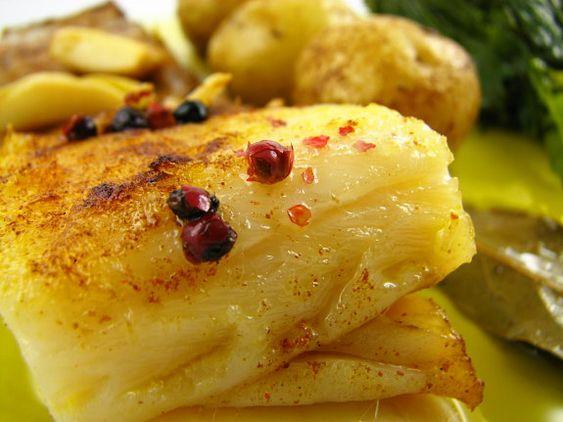 Cinco Quartos de Laranja: Bacalhau assado no oven com batatas