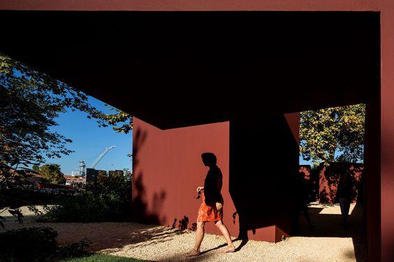 ÁLVARO SIZA - Percorso - Installation in the Giardino delle Vergini, 13th Mostra Internazionale di Architettura © Fernando Guerra, FG+SG Architectural Photography