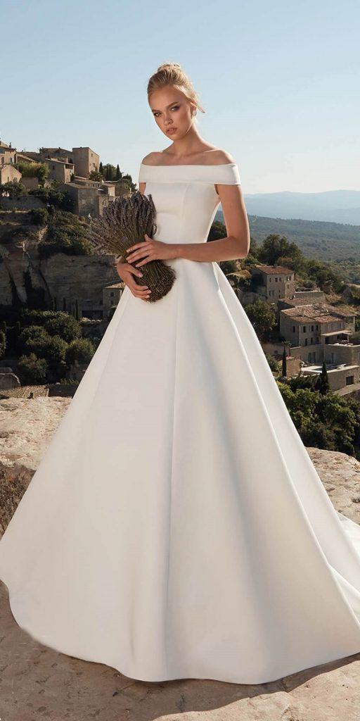 24 Satin Wedding Dresses For The Minimalist Bride Wedding Dresses Guide Wedding Dresses Satin Minimalist Wedding Dresses Wedding Dresses
