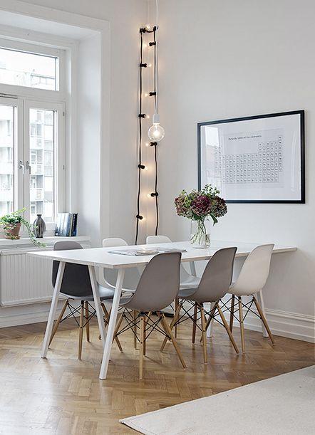 Eames dsw. grey white and black dining chairs: sympa le mélange gris/blanc des…