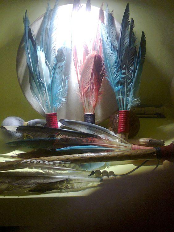 Pena de Defumação/ feather for smudging/ pluma para manchas/