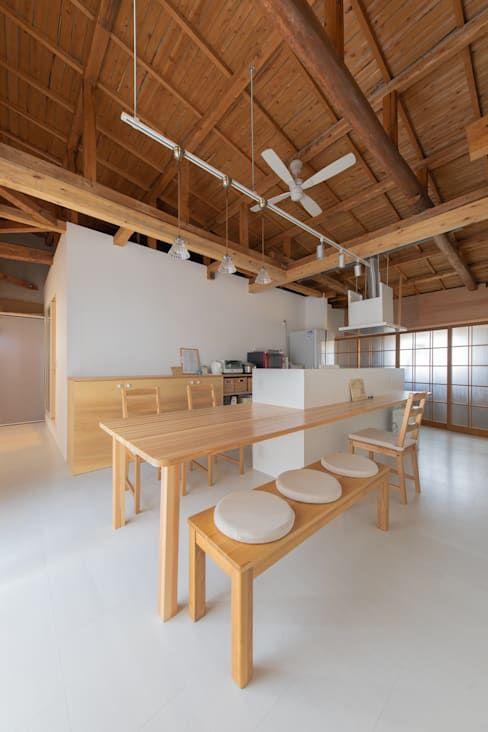梁の色x天井の色5選 組み合わせ次第でこんなに違う 天井の色 Cafe デザイン 家 リフォーム