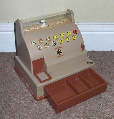 Casdon Vintage Toy Till ...had this! Remember running out of receipt roll and trying to make more