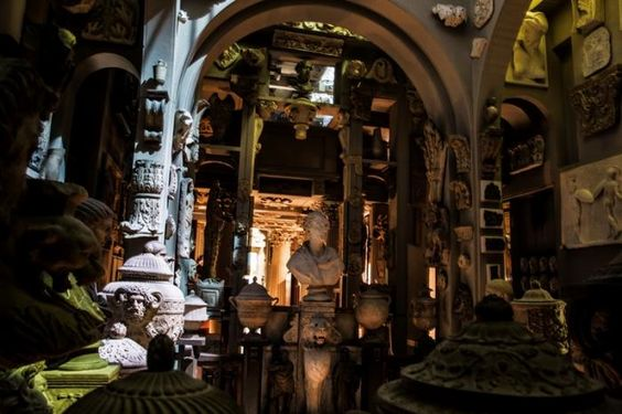 The Dome Area with bust of Sir John Soane in candlelight. (Sir John Soanes museum)