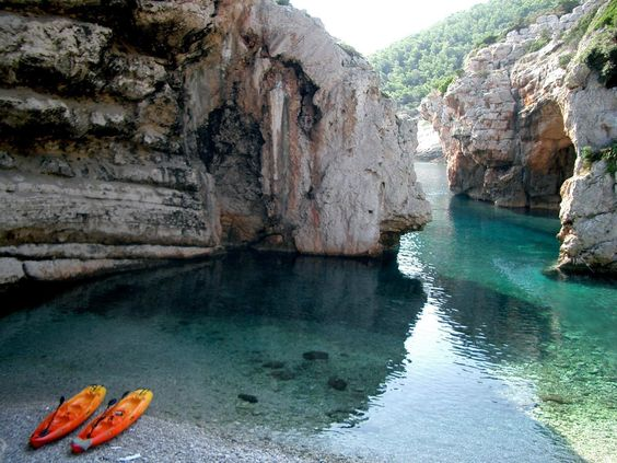 Stiniva Cove beach, Isla de Vis, Croacia