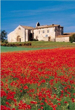 Le Musée et jardins SALAGON et la tradition en Haute Provence, France- I love the colors in this picture