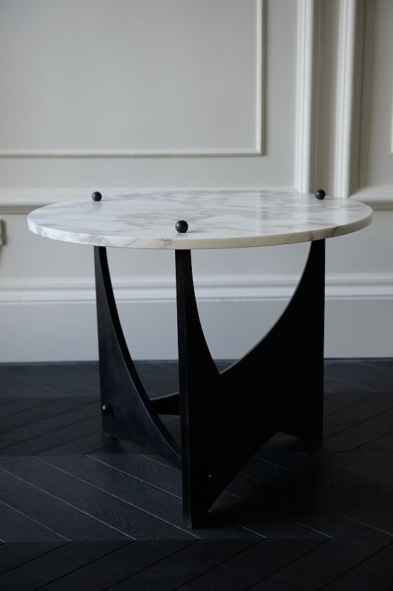 For Every Dining Room There S A Dining Table Deep Down In The