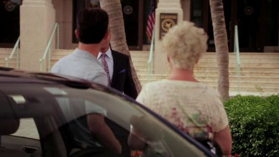 "Burn Notice 5x02 ""Bloodlines"" - Michael Westen (Jeffrey Donovan), Madeline Westen (Sharon Gless) & Jesse Porter (Coby Bell)"