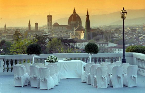 Villa La Vedetta Italian Wedding Venue - gourgious sight event As You Desire weddingplanner & event planner