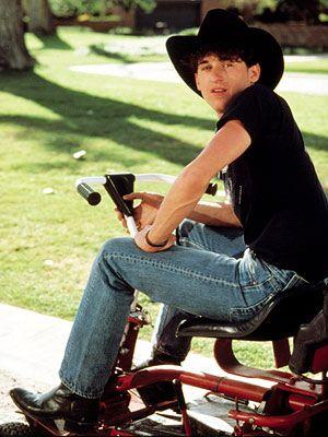 """Patrick Dempsey in 1987's Can't Buy Me Love. <3 <3 <3 this movie! Y pensar que se convertiría en el """"Dr. Apuesto""""..."""