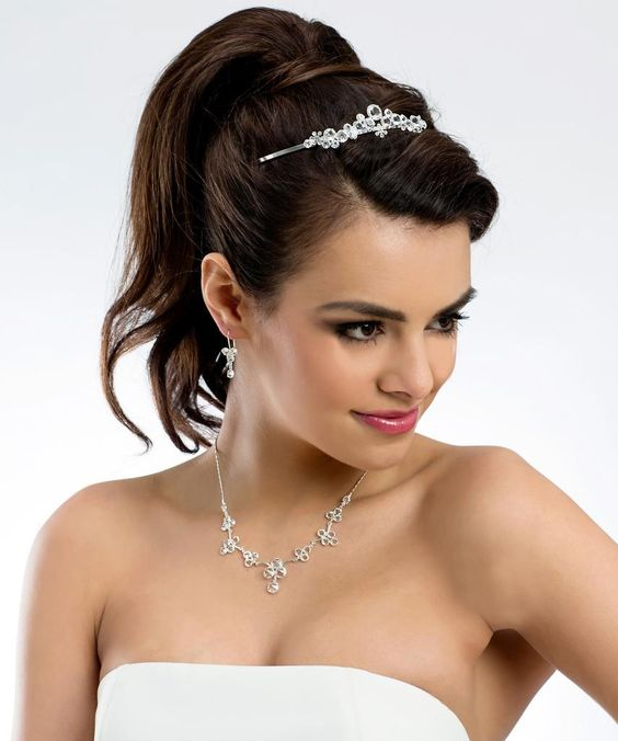 Tiara de Novia Barcelona , Tiara de novia con pedrería y perlas de cristal. Esta