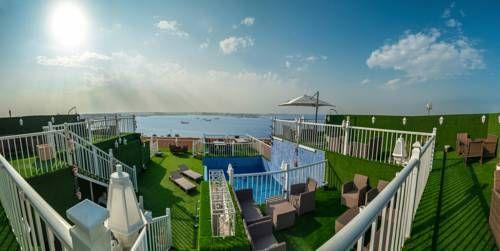جولدن جاردن الكورنيش للأجنحة الفندقية فنادق السعودية شقق فندقية السعودية Hotel Golden Garden Front Desk