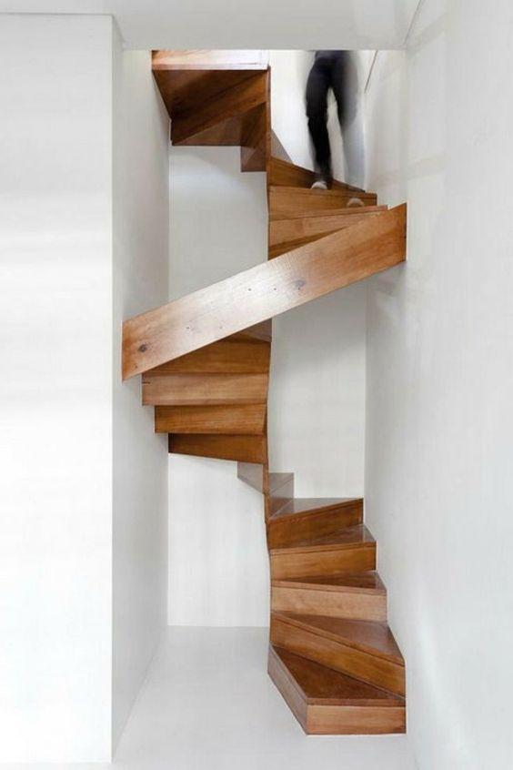 gewendete treppe mit holzstufen extrem raumsparend architecture pinterest. Black Bedroom Furniture Sets. Home Design Ideas