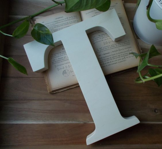 initiale en bois esperluette en bois lettre d co en bois grande lettre d co poser. Black Bedroom Furniture Sets. Home Design Ideas