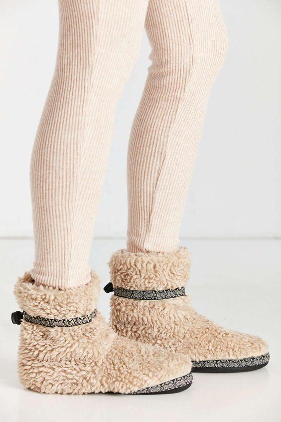 Woolrich Whitecap Bootie Slipper