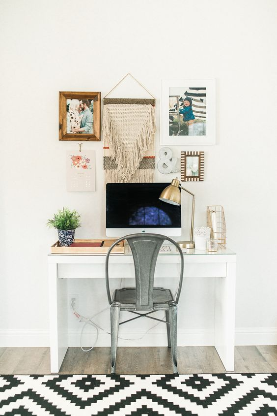 Photography : Daphne Mae Read More on SMP: http://www.stylemepretty.com/living/2016/01/25/modern-bohemian-california-home-tour/:  office design 10 MODERN HOME OFFICE DESIGN IDEAS 3444d3aea68574130e3fb7af256b1c09