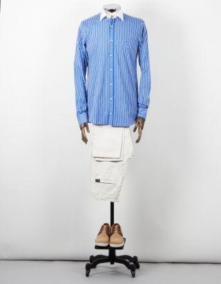 Camisa de rayas azul y blanca