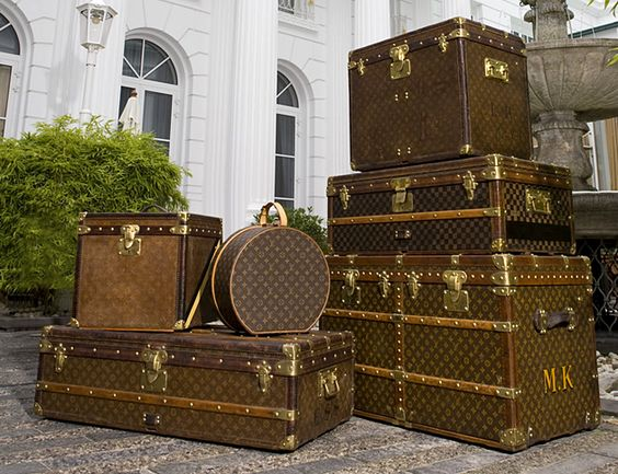 How I wish I was a gypsy traveler and carried around crystals, hippie jewelry, scarves, unicorn fairy dust, feather earrings and some of my favorite things in these Louis Vuitton Trunks.