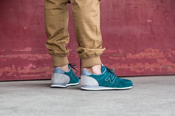 The New Balance U420PPT is available at our shop now! EU 38 - 46,5 | 90,-€