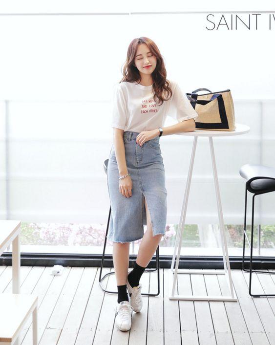 Kết quả hình ảnh cho chân váy dài với áo phông cho màu thu