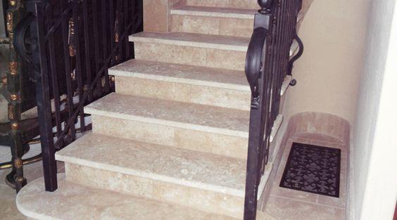 Wenn es um #Treppen geht, die Sicherheit ist eine wichtige Frage. Zum Beispiel: Treppen ohne Geländer sind perfekt für junge Leute, aber nicht für kleine Kinder oder älteren Menschen, die das Geländer für Unterstützung brauchen. #Granit #Treppen  http://www.granit-deutschland.net/granit-treppen