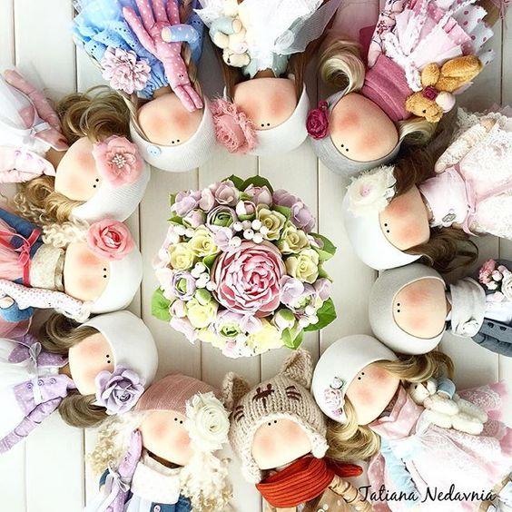 Девочки и мальчики уехали в Майами Ростик 28 см.Сшиты на заказ✂️ По поводу стоимости прошу писать в личку,в комментариях не отвечаю #tatiananedavnia #tilda #wedding #pink #pillow #МК #decor #fabrik #handmad #knitting #love #cotton #baby #кукла #шитье #выставка #шеббишик #пупс #платье #подарок #праздник #работа #ручнаяработа #сделайсам #своимируками #ткань #тильда #интерьер #интерьернаяигрушка #интерьернаякукла