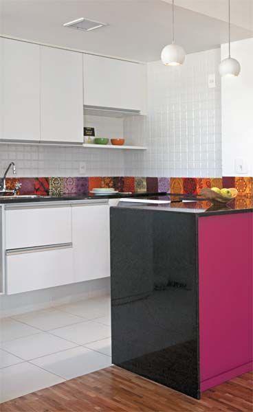 Tinta rosa rouba a cena em apartamento de 70 m² - Casa