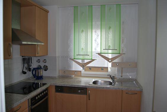 heller stufenvorhang f r die k che in gr n und wei http. Black Bedroom Furniture Sets. Home Design Ideas
