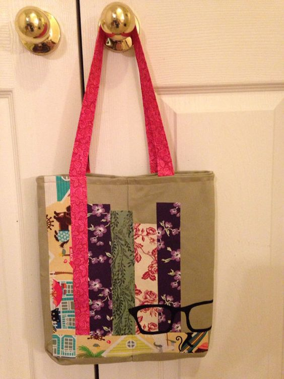 The bookworm tote bag by SewLoveDesigns on Etsy