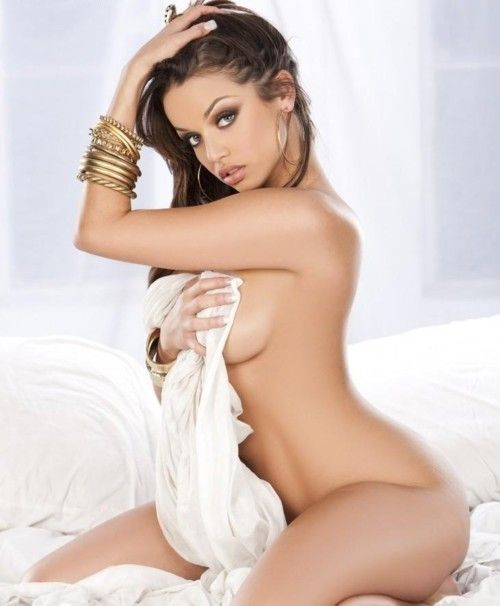Hot women in the bed naked