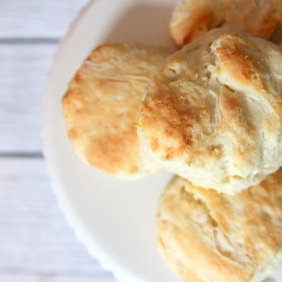 Trisha Yearwood S Biscuit Recipe Ingredients 4 T Shortening 2 C Flour 3 T Baking Powder 1 4 T Salt 3 Biscuit Recipe Homemade Biscuits Homemade Biscuits Recipe