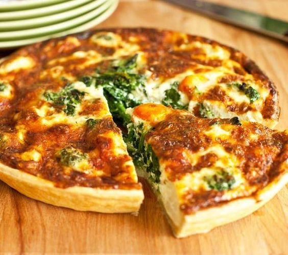 Pas besoin d'être un grand chef pour impressionner sa tablée avec cette #recette de quiche aux épinards et chèvre ! La recette ici : http://www.bonduelle.fr/recettes/quiche-aux-epinards-et-chevre #SurprenezVous et #regalez vous avec #Bonduelle #recettes #cuisine #food #recipes #cooking #vegetables #quiche