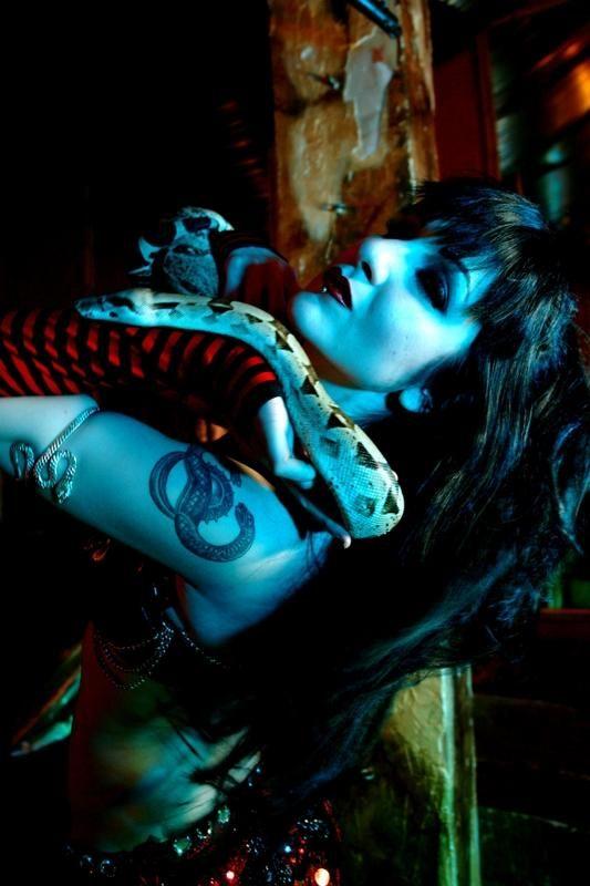 Serpent dancer Maiiah
