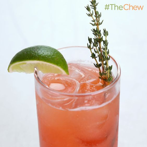 Clinton Kelly's Strawberry-Thyme Chill! #TheChew
