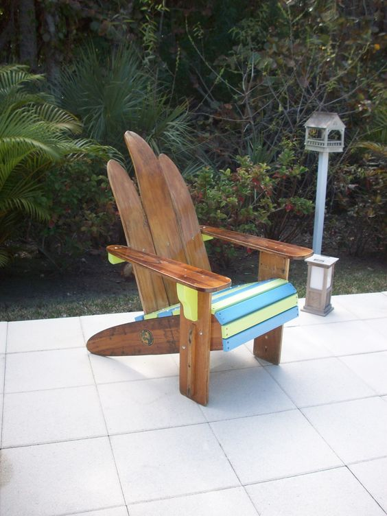 Colors Chairs and The ojays – Waterski Chair