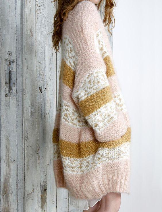Wanted : un lainage immense et douillet à porter sur une petite robe légère (Mes Demoiselles Paris)