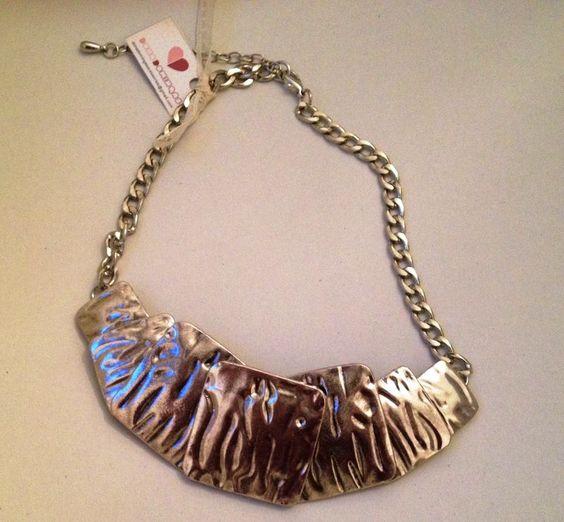 Maxi colar com placas prata R$50.00