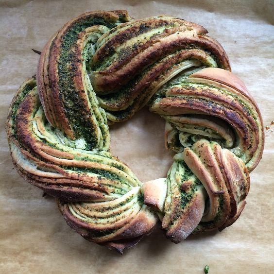 Rucola-Pesto, Pesto-Brotkranz für den #pestostorm - my-camino.de