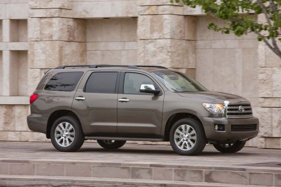 2015 Toyota Sequoia Side View