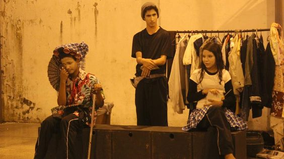 O chip nosso de cada dia. Na Mostra de teatro Aqui tem cultura. Bairro São João, Teresina-PI. Grupo Proposta de Teatro... Virgílio, Juval e Nanda...