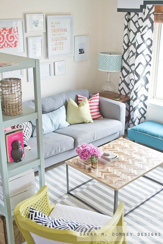 GUEST ROOM--this room looks so light and airy....would love to incorporate some of this into my living room: