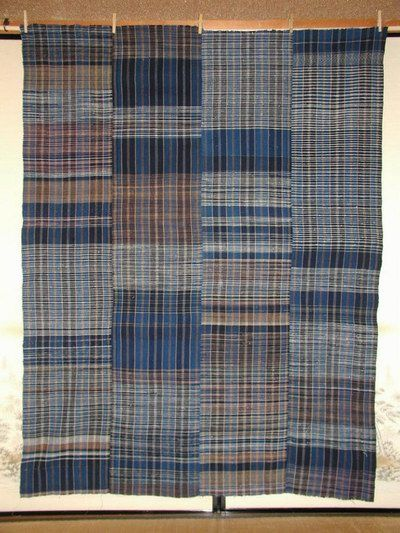 INDIGO ZANSHI FUTONGAWA   矢鱈縞藍染残糸織布団皮    ZANSHI (REMAINDERED-THREAD) INDIGO COTTON FUTONGAWA  ALSO CALLED YATARA-SHIMA (RANDOM STRIPES)  LATE 19C, UNUSED